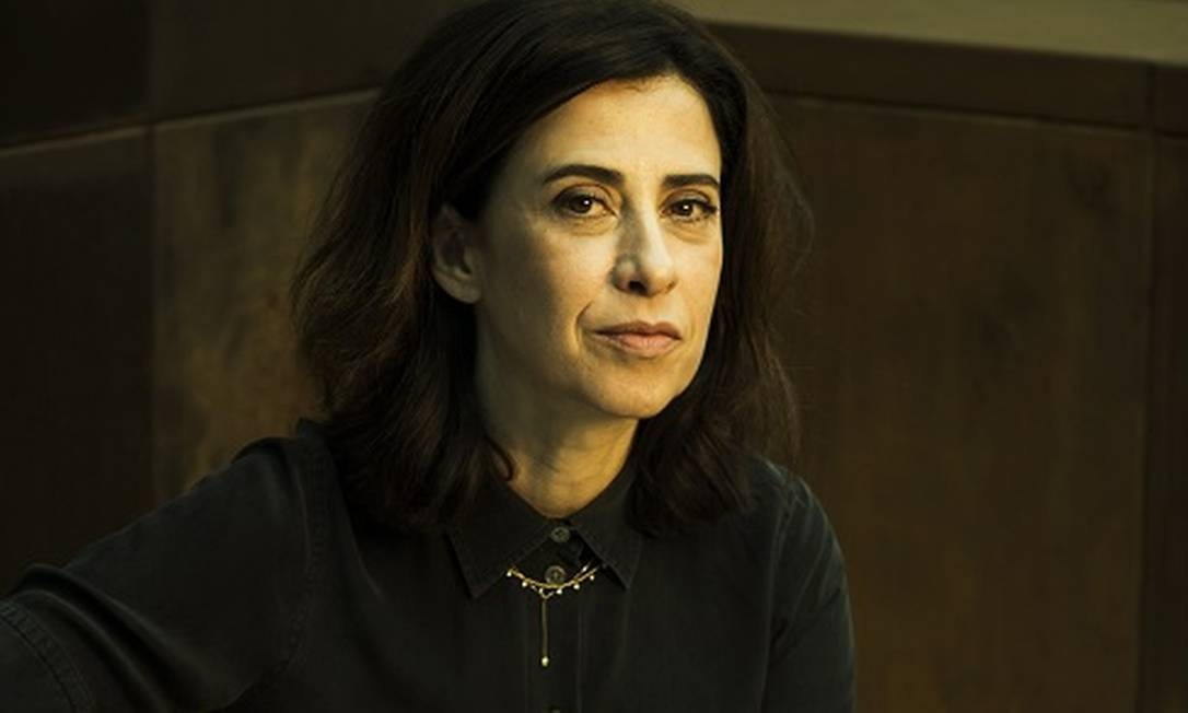 Fernanda Torres, que estreia no roteiro de ficção com o filme 'O juízo' Foto: Guito Moreto / Agência O Globo