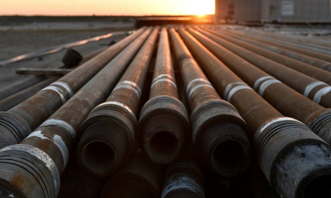 Tubulações de aço nos EUA. Foto: Nick Oxford / REUTERS