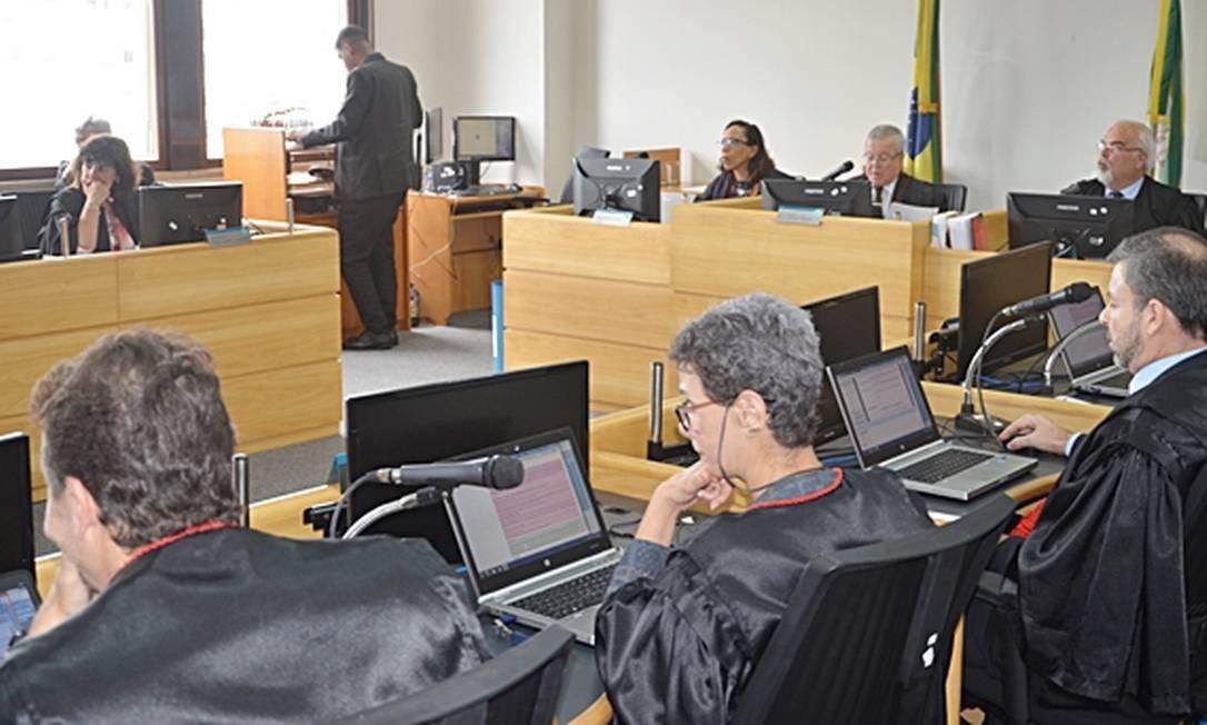 Justiça mantém bloqueio de R$ 325 milhões e funcionários da Saúde terão salários regularizados Foto: Divulgação