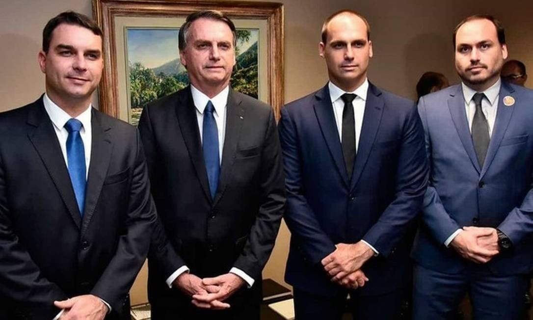 Flávio, Jair, Eduardo e Carlos Bolsonaro Foto: Reprodução