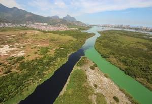 Encontro dos rios Arroio Fundo e Anil, que terão ecobarreiras, com as águas da Lagoa do Camorim Foto: Divulgação / Projeto Olho Verde