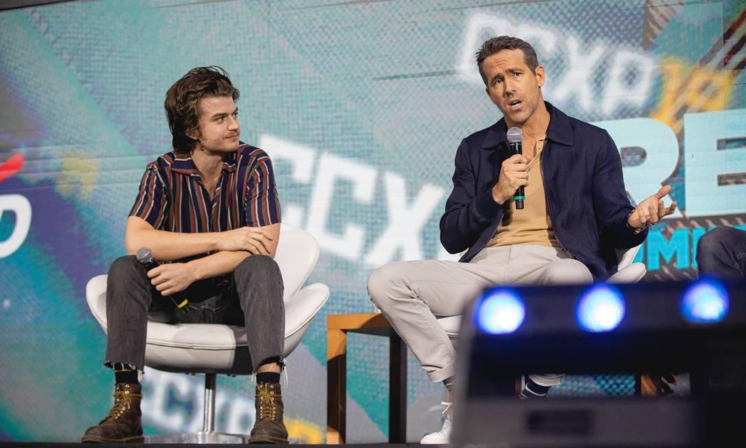 Ryan Reynolds (à dir.) e Joe Keery falam de novo filme em São Paulo Foto: Padilha / Divulgação