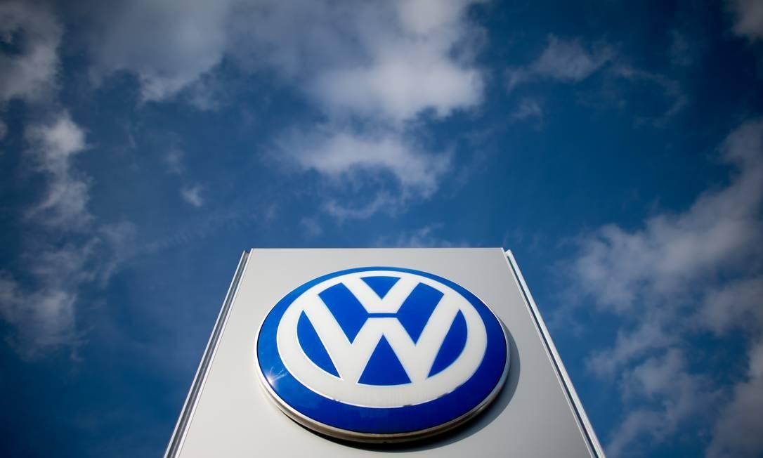 A Volkswagen usou software para manipular resultados de testes de emissões de poluentes, em escândalo que ficou conhecido como Dieselgate Foto: JULIAN STRATENSCHULTE / AFP