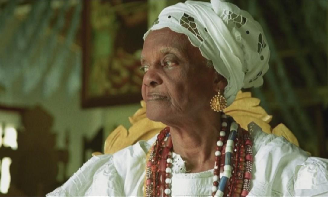 Mãe Tatá Oxum Tomilá, ialorixá do terreiro de candomblé Casa Branca do Engenho Velho, em Salvador Foto: TV Globo/reprodução