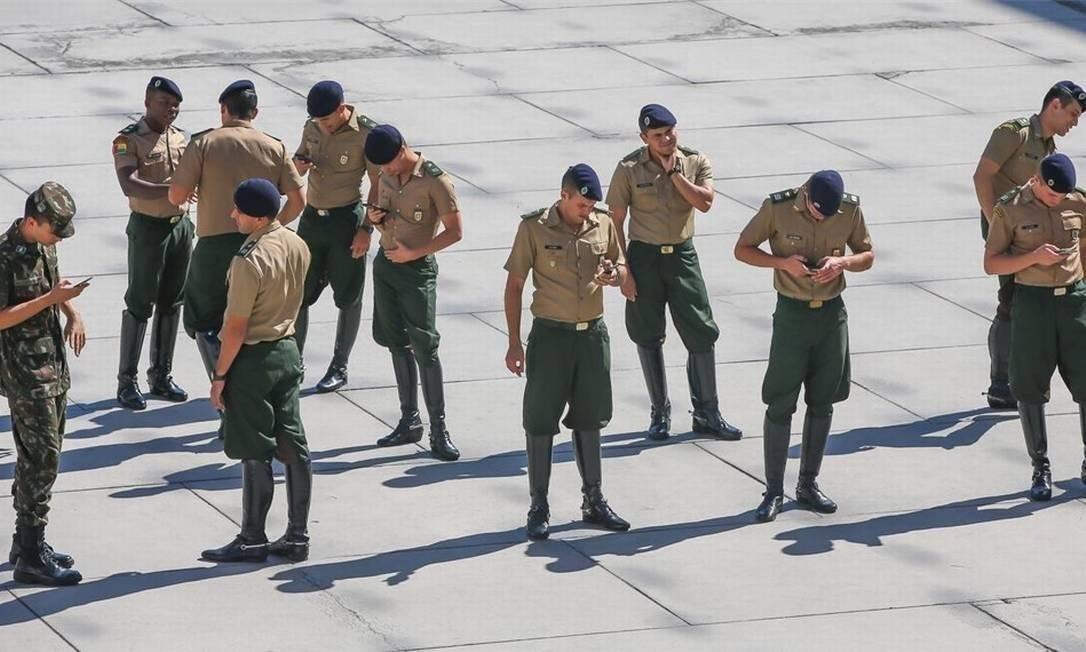 Oficiais do Exército na Academia Militar das Agulhas Negras (Aman), em Resende Foto: Marcelo Régua / Agência O Globo