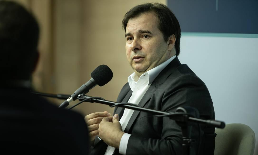 O presidente da Câmara Rodrigo Maia (DEM-RJ) em entrevista ao podcast Ao Ponto, do GLOBO Foto: Brenno Carvalho / Agência O Globo