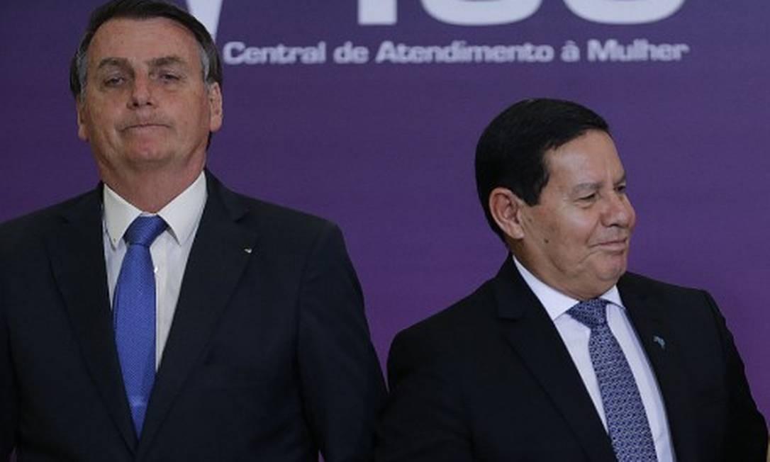 Bolsonaro volta atrás e decide mandar Mourão para posse de Fernández na Argentina