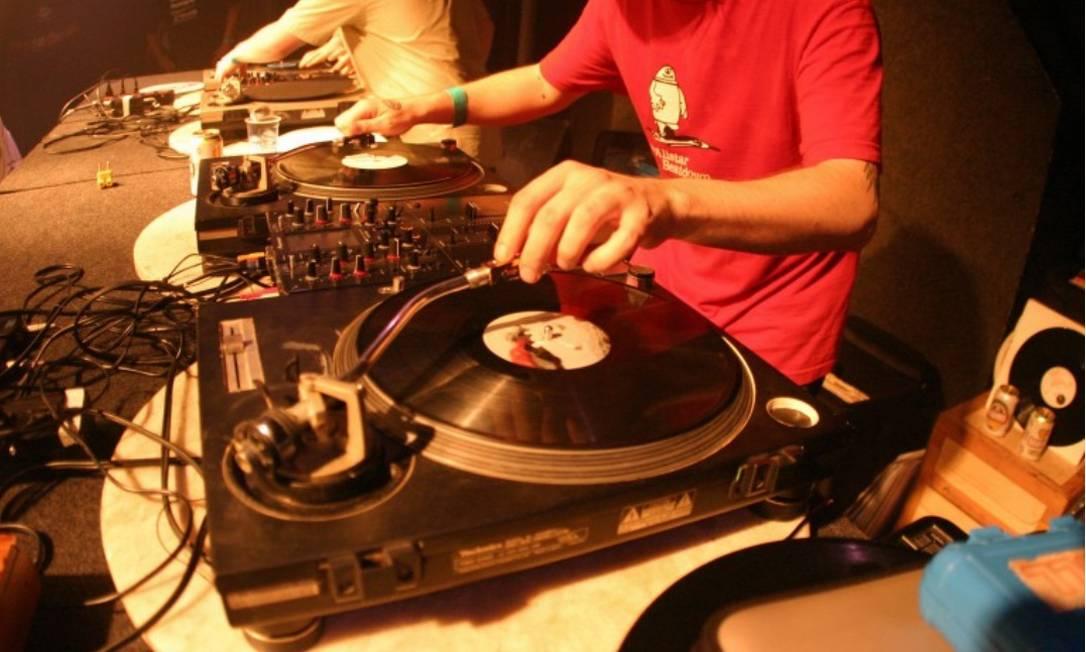 DJ é uma das categorias ligadas à cultura que podem deixar de ser MEI em 2020 Foto: Divulgação