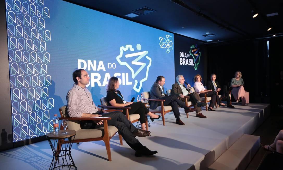 """Representantes de universidades e iniciativa privada no evento de lançamento do projeto """"DNA do Brasil"""" Foto: Dasa/divulgação"""