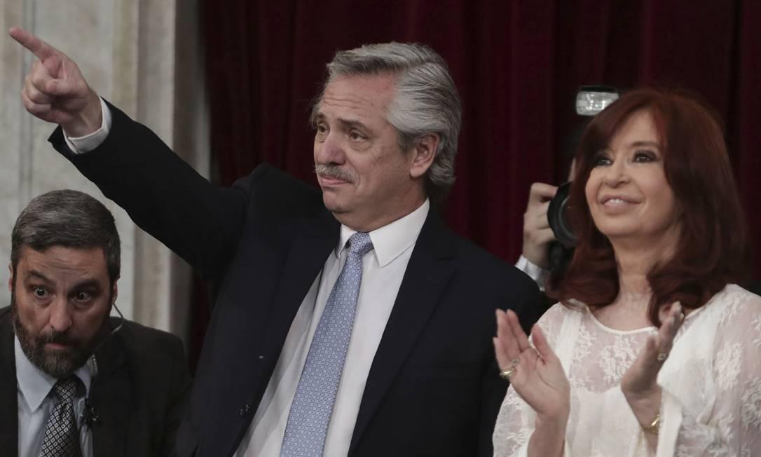 O presidente argentino Alberto Fernández toma posse ao lado da vice Cristina Kirchner Foto: ALEJANDRO PAGNI / AFP