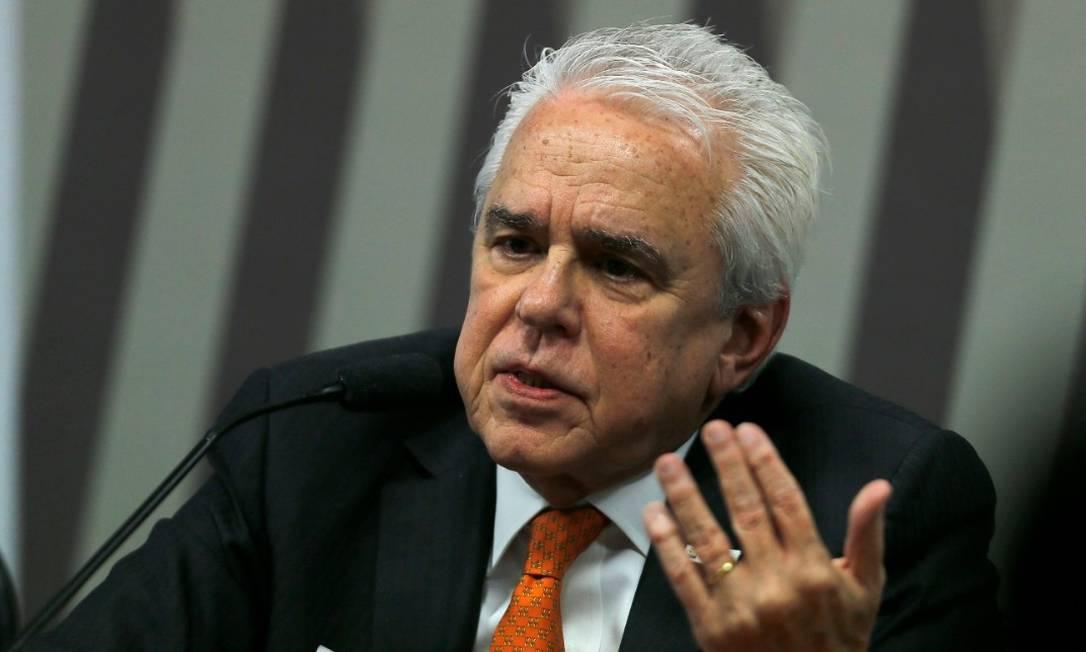 Castello Branco: Petrobras quer se desfazer de ações da Braskem em 12 meses Foto: Jorge William / Agência O Globo
