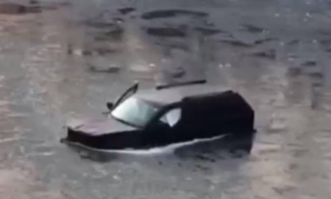 Jovem foi resgatado graças a assistente virtual após cair de carro no rio Foto: Reprodução