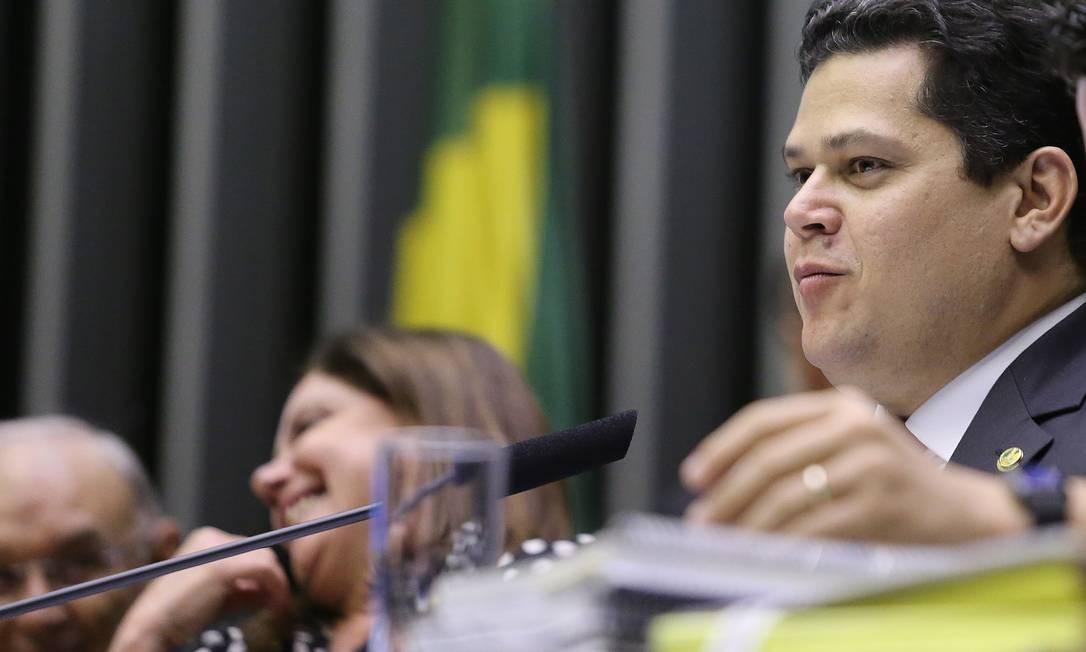 O presidente do Senado, Davi Alcolumbre Foto: Jorge William / Agência O Globo