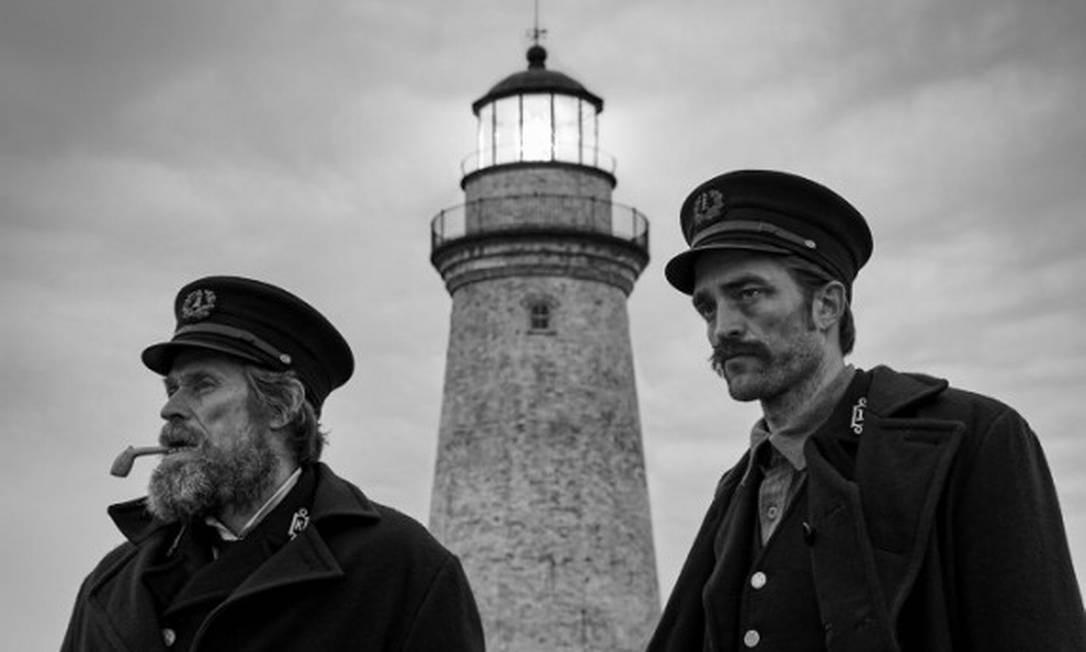 """Willem Dafoe e Robert Pattinson em """"O farol"""" Foto: Divulgação/Eric Chakeen"""