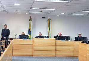 Audiência no TRT nesta quinta-feira: prefeitura terá R$ 300 milhões arrestados da conta e de recursos do município Foto: Luiz Ernesto Magalhães