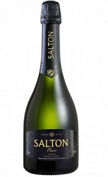 O Salton Reserva Ouro brut é feito com Chardonnay, Pinot Noir e Riesling. Tem aromas de abacaxi, baunilha e notas de fermento, paladar seco e refrescante [R$ 39,99 nas lojas Pão de Açúcar] Foto: Divulgação