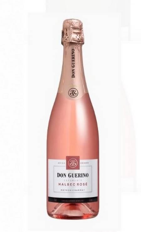 O Don Guerino Brut Rose (R$46,90) é 100% Malbec. Feito na Serra Gaúcha pelo método charmat, tem aroma floral e frutado. [Invinito https://loja.invinito.com.br] Foto: Divulgação