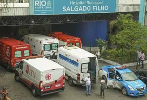 Hospital municipal Salgado Filho no Méier ficou sobrecarregado com colapso na saúde Foto: Gabriel de Paiva / Agência O Globo