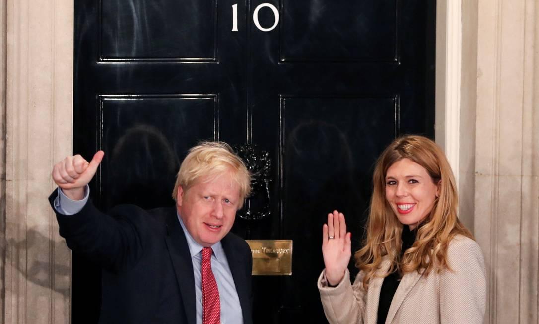 Primeiro-ministro britânico, Boris Johnson, e Carrie Symonds Foto: THOMAS MUKOYA / REUTERS