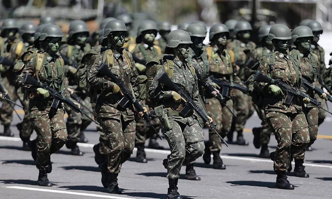 Militares: benefícios ampliados para inclusão na reforma da Previdência Foto: Jorge William/Agência O Globo