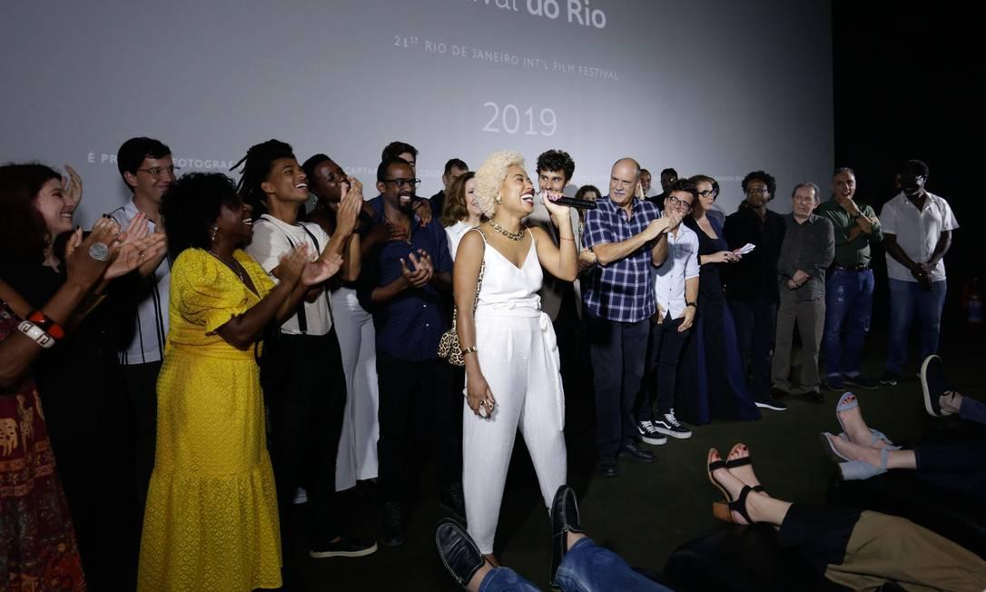 Mariana Nunes discursa em exibição do filme 'M8 Quando a morte socorre a vida' Foto: Rogerio Resende/R2Foto/Divulgação