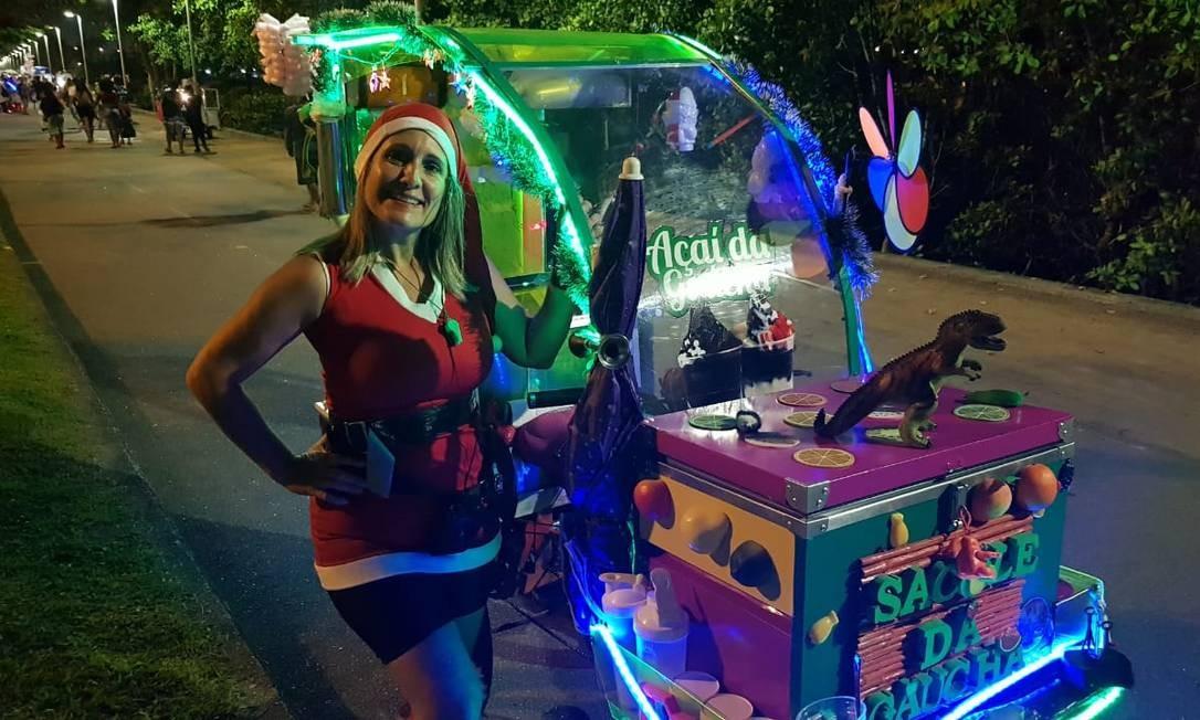 Jaqueline Nazário, conhecida como Gaúcha, comemora o aumento das vendas nesta época do ano Foto: Felipe Grinberg