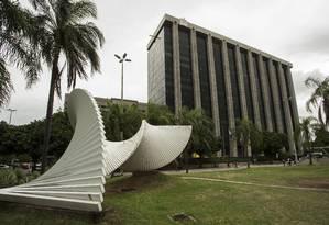 Fachada do prédio da Prefeitura do Rio, na Cidade Nova Foto: Guito Moreto / Agência O Globo