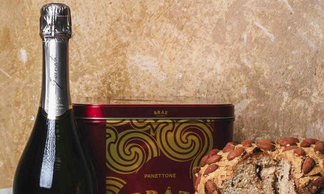 Combo.Na Bráz (2491-7170), pode-se comprar o tradicional panetone da casa separadamente (R$ 78) ou junto com um espumante (R$ 159) Foto: Bruno Geraldi / Divulgação