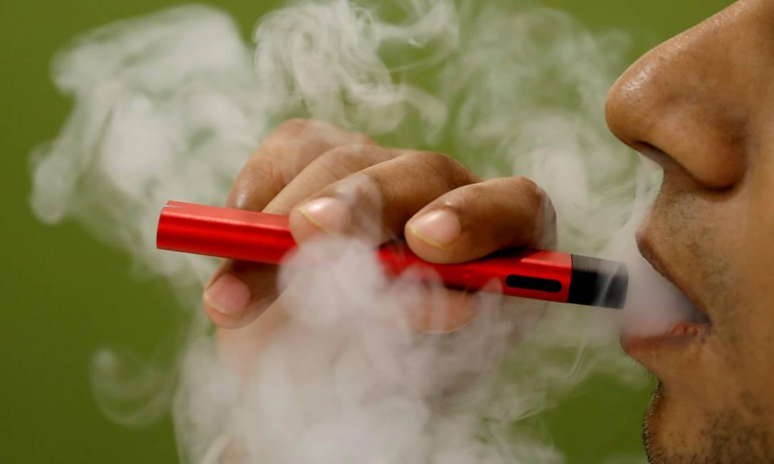 Por serem fáceis de esconder, vaporizadores são utilizados regularmente por estudantes de ensino médio nos Estados Unidos Foto: Adnan Abidi / REUTERS