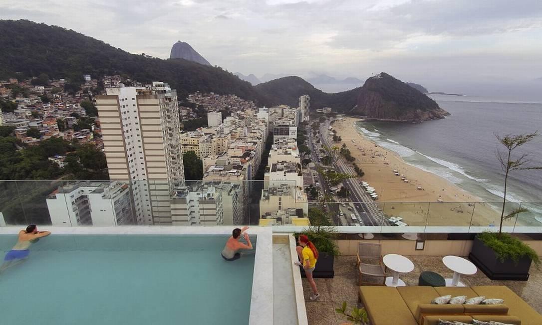 Vista do Leme do terraço do hotel Hilton Foto: Agência O Globo/Leo Martins