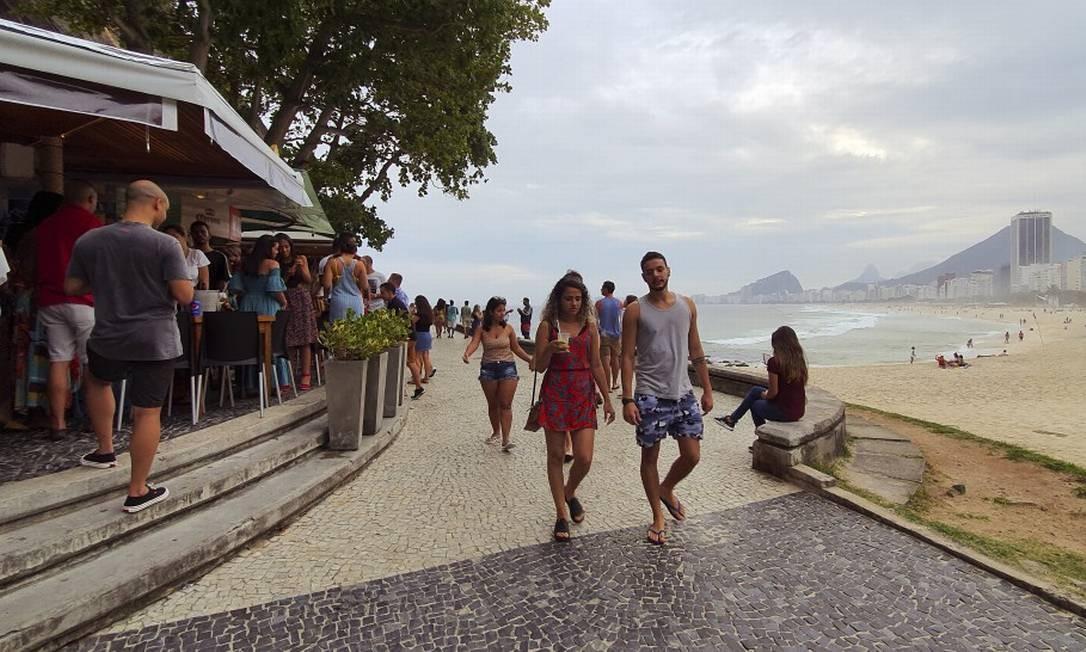 Quiosque na Pedra do Leme: Mureta Foto: Agência O Globo/Leo Martins