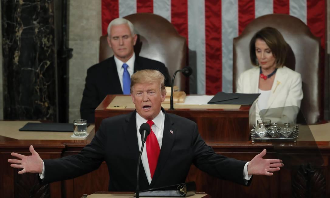 """Em seu terceiro discurso do Estado da União, em fevereiro, Trump disse que os EUA """"jamais serão um país socialista"""" e denunciou a imigração irregular Foto: JIM YOUNG / Reuters"""