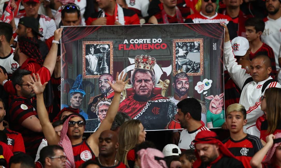 Torcedores do Flamengo dentro do estádio Khalifa, no Qatar Foto: IBRAHEEM AL OMARI / REUTERS