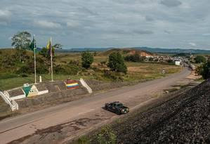 Fronteira entre Brasil e Venezuela, perto da cidade de Santa Elena de Uairén. Grupo atacou unidade militar venezuelana na região e roubou um lote de armas Foto: BRUNO MANCINELLE / AFP