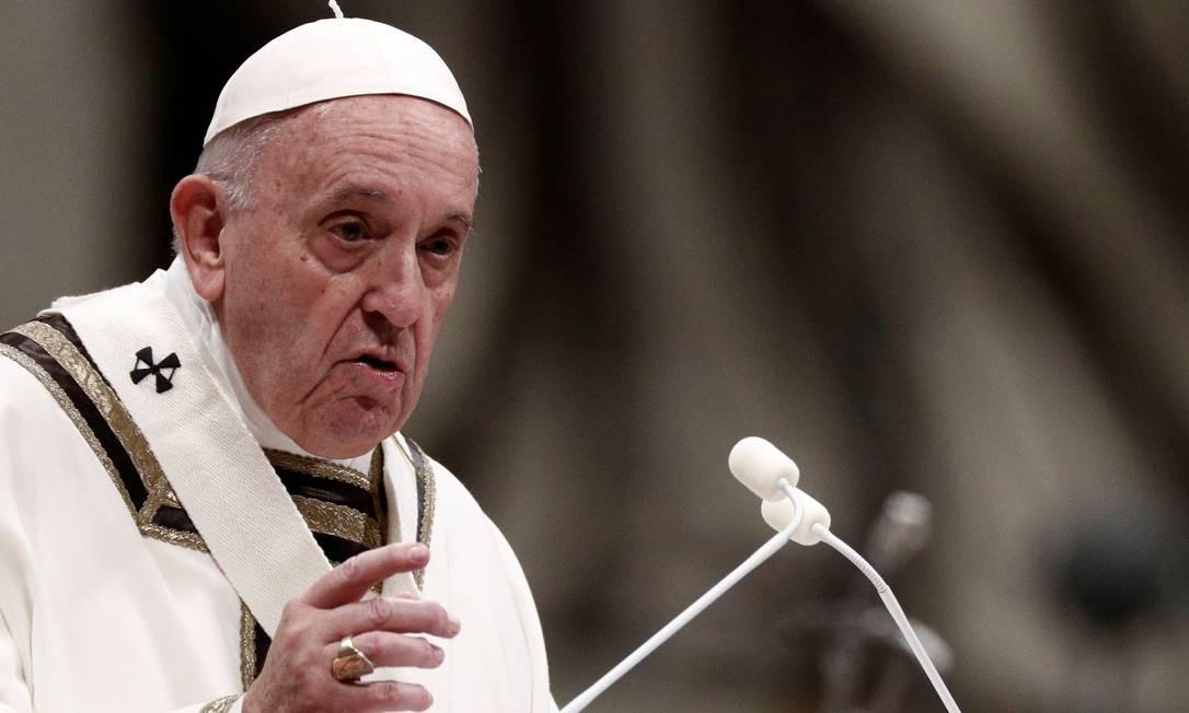 O Papa Francisco celebra a Missa do Galo na Basílica de São Pedro, no Vaticano Foto: GUGLIELMO MANGIAPANE / REUTERS