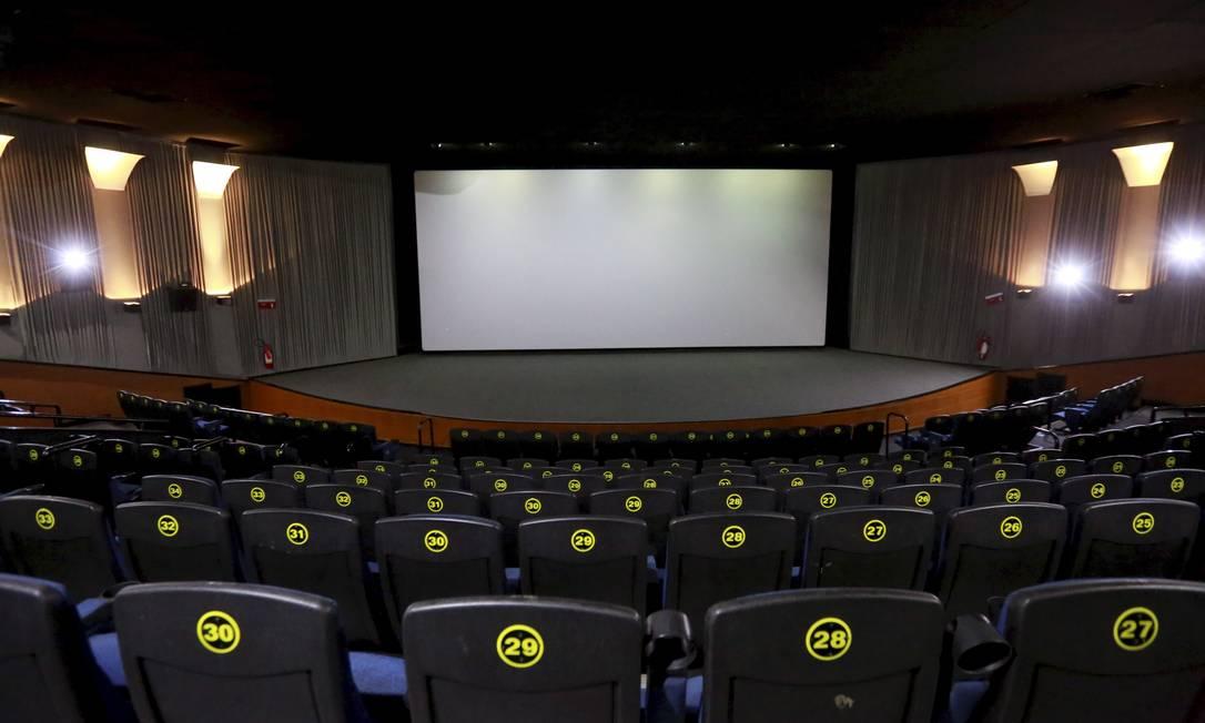 Sala de cinema: exibição de filmes nacionais será obrigatória em 2020 Foto: Marcos Ramos / Agência O Globo