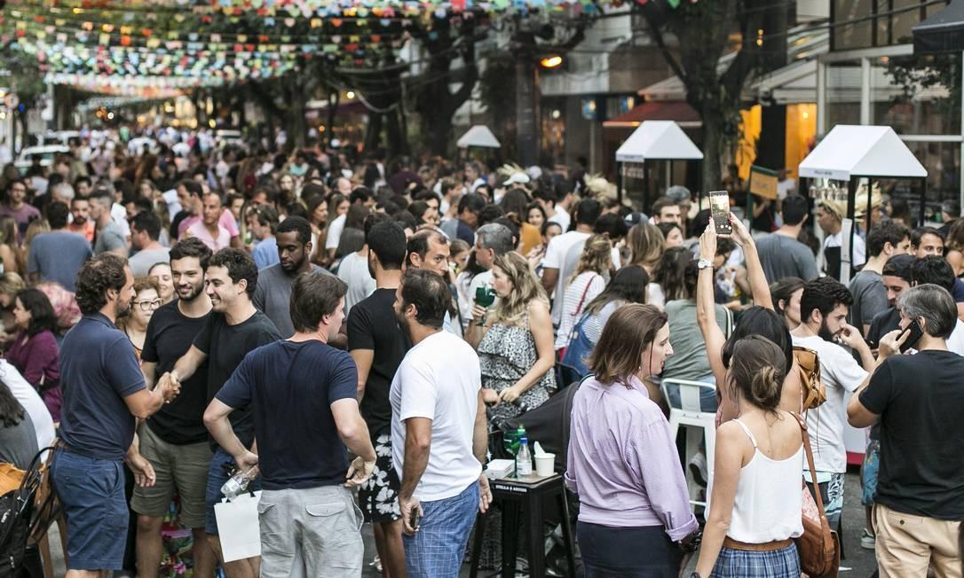 Eventos gastronômicos tomaram a Rua Dias Ferreira, no Leblon Foto: Hermes de Paula