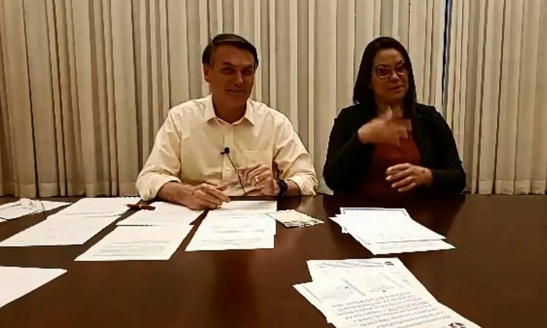 Bolsonaro em live nesta quinta-feira Foto: Reprodução
