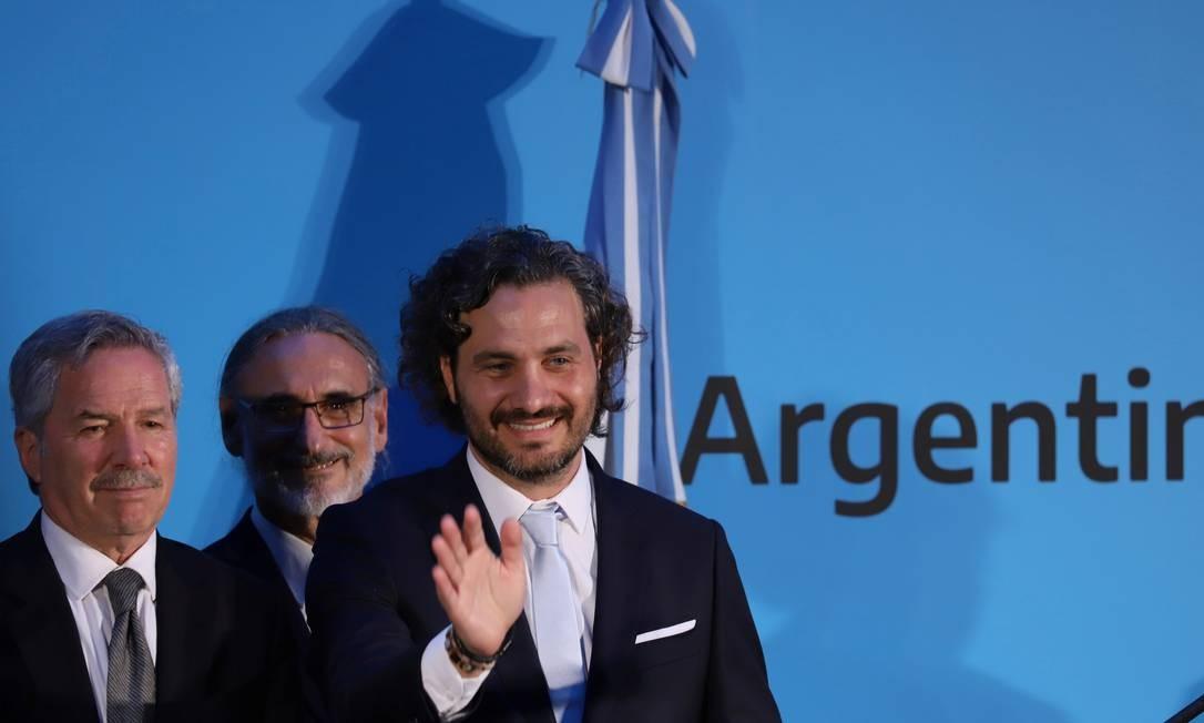 Ministro das Relações Exteriores da Argentina, Felipe Solá, no centro, durante cerimônia em Buenos Aires Foto: STRINGER / REUTERS/10-12-2019