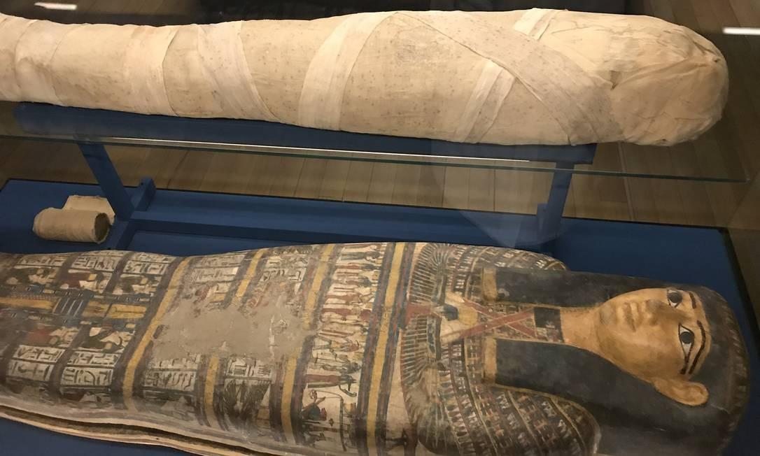 Múmia na exposição do Egito Antigo, no CCBB Foto: Bruno Calixto / Agência O Globo