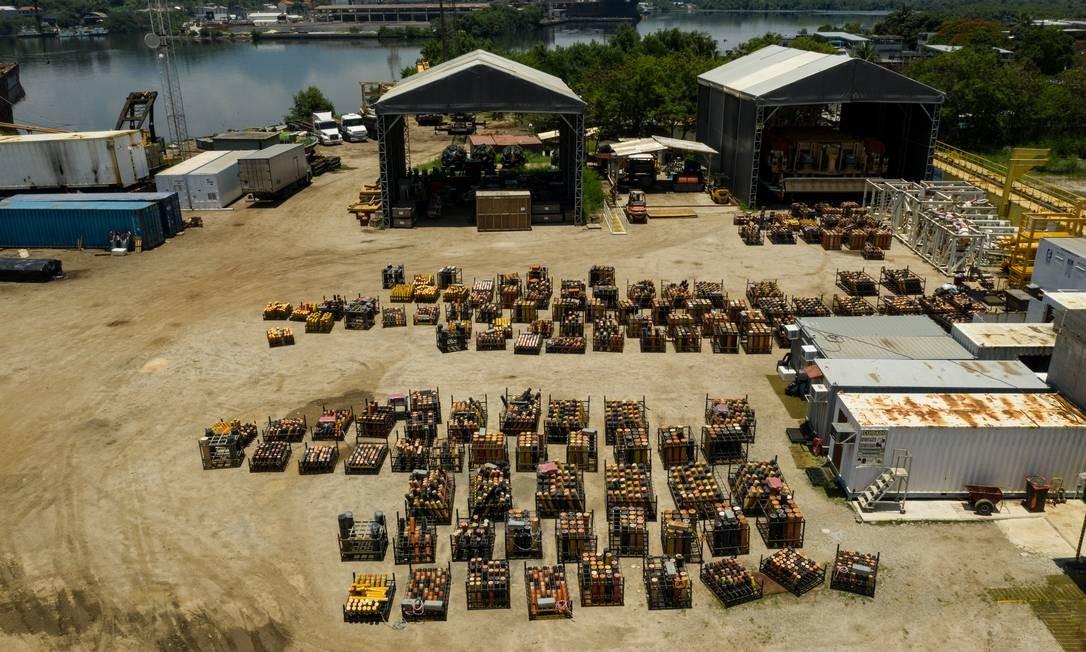 O espetáculo pirotécnico terá duração de 14 minutos. Um público de 2,8 milhões de pessoas é esperado para a festa da virada na Praia de Copacabana Foto: BRENNO CARVALHO / Agência O Globo