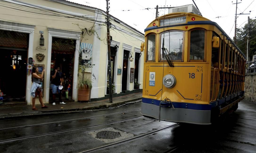 Bonde de Santa Teresa: no clima dos anos 1920 Foto: Marcelo Theobald / Agência O Globo
