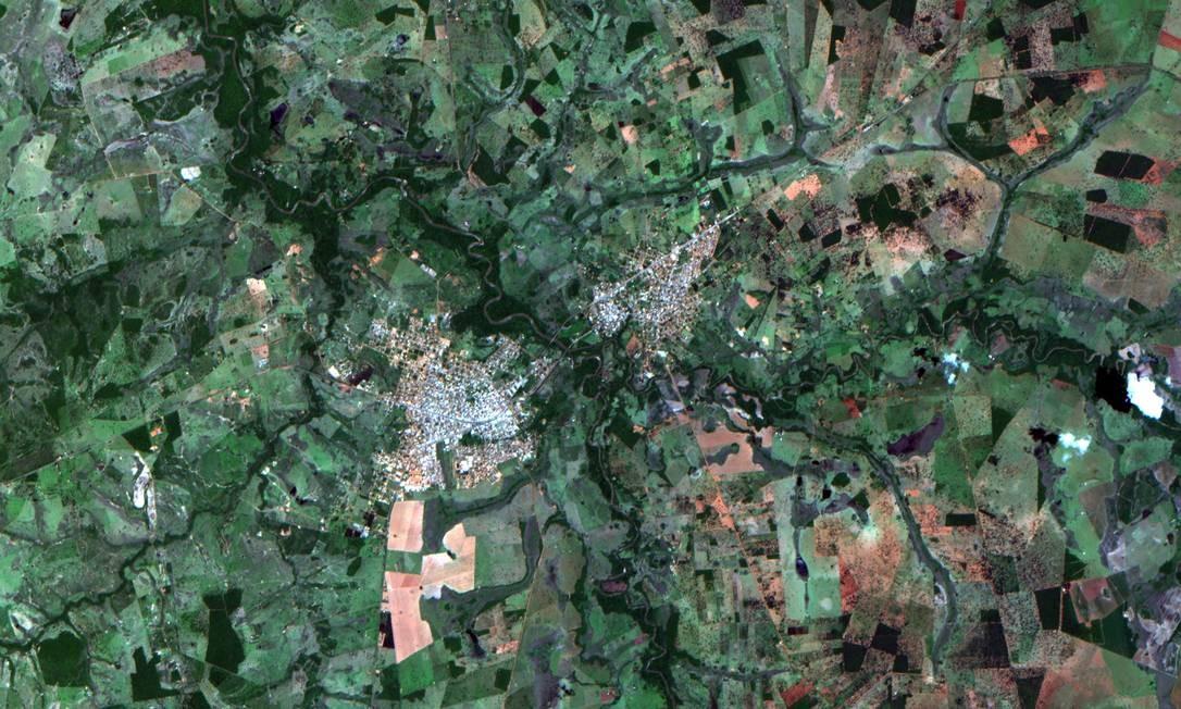 CBERS 04 A também registrou, em cores, região que compreende os municípios de Jardim e Guia Lopes da Laguna, no Mato Grosso do Sul Foto: Inpe