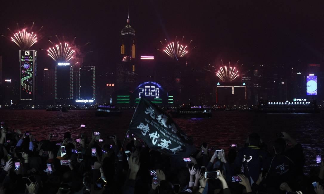 """Hong Kong entrou em 2020 com manifestações do grupo que se entitula """"pró-democracia"""" Foto: Philip Fong / AFP"""
