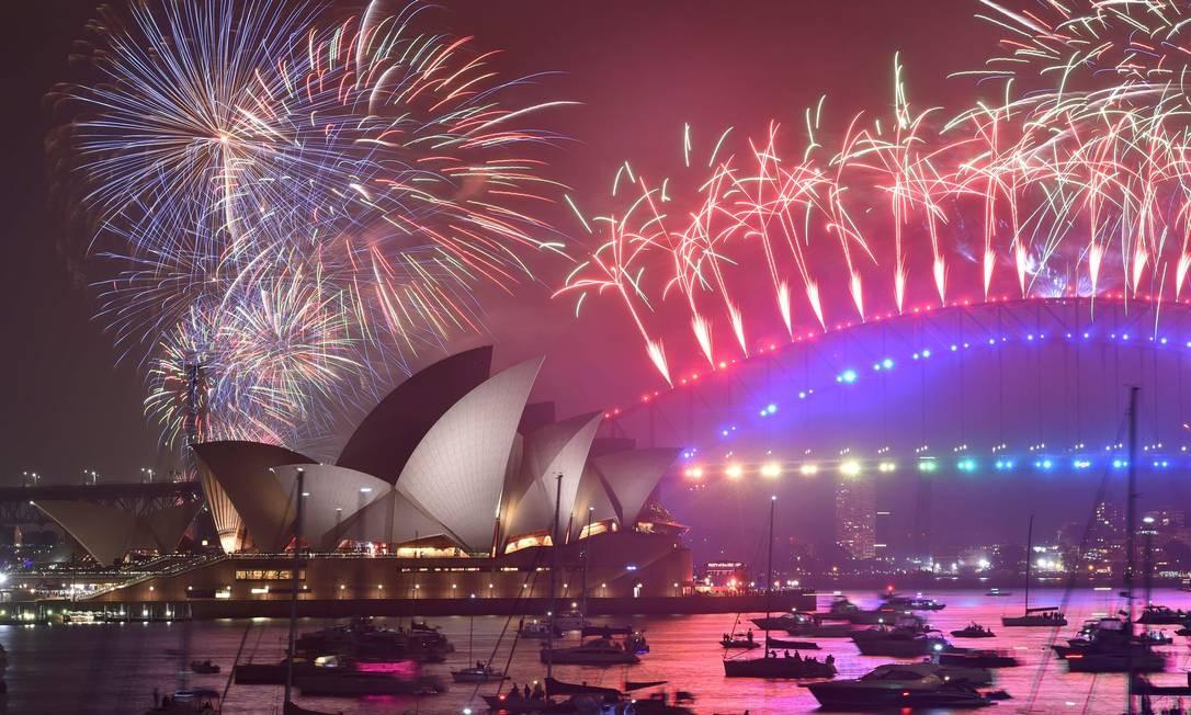 O governo de Sidney estima um gasto de 4,5 milhões de dólares na festa da virada, que contou com oito minutos de espetáculo piroécnico Foto: Peter Parks / AFP