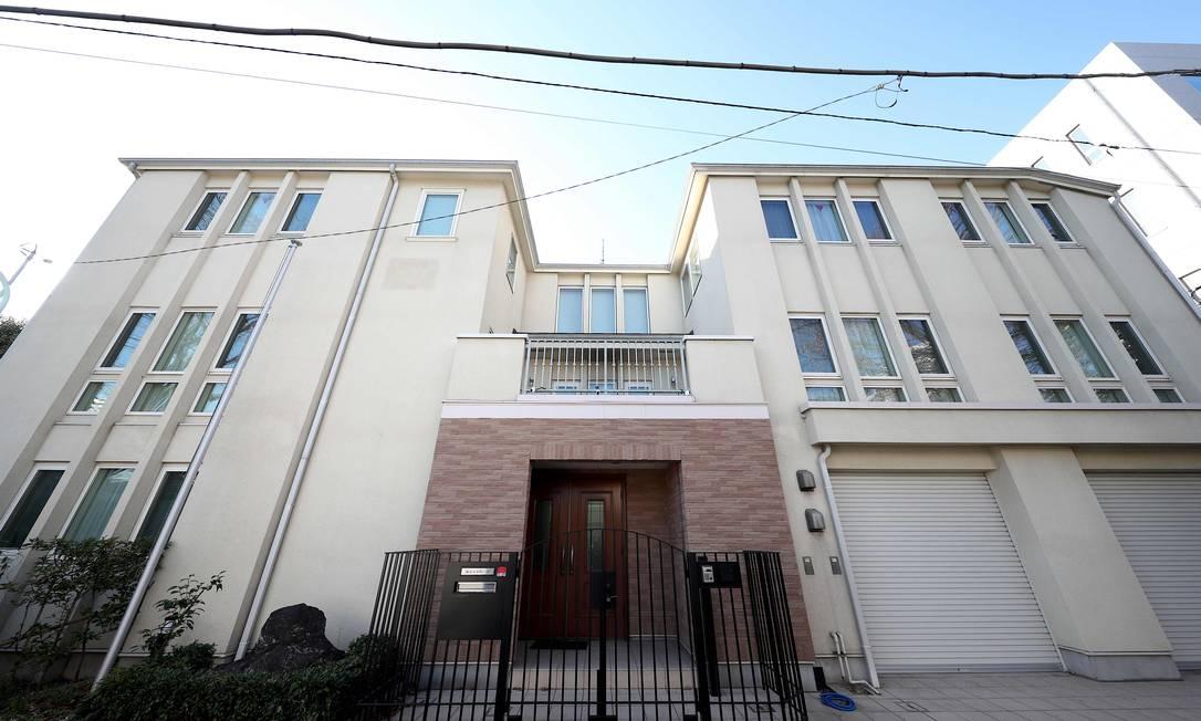 Residência de Carlos Ghosn em Tóquio, onde foram instaladas câmeras de segurança para monitorar os passos do ex-titã da indústria automobilística Foto: Behrouz Mehri / AFP