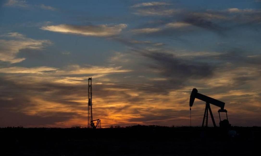 Instalações de extração de petróleo próximo a Sweetwater, no Texas Foto: Reuters