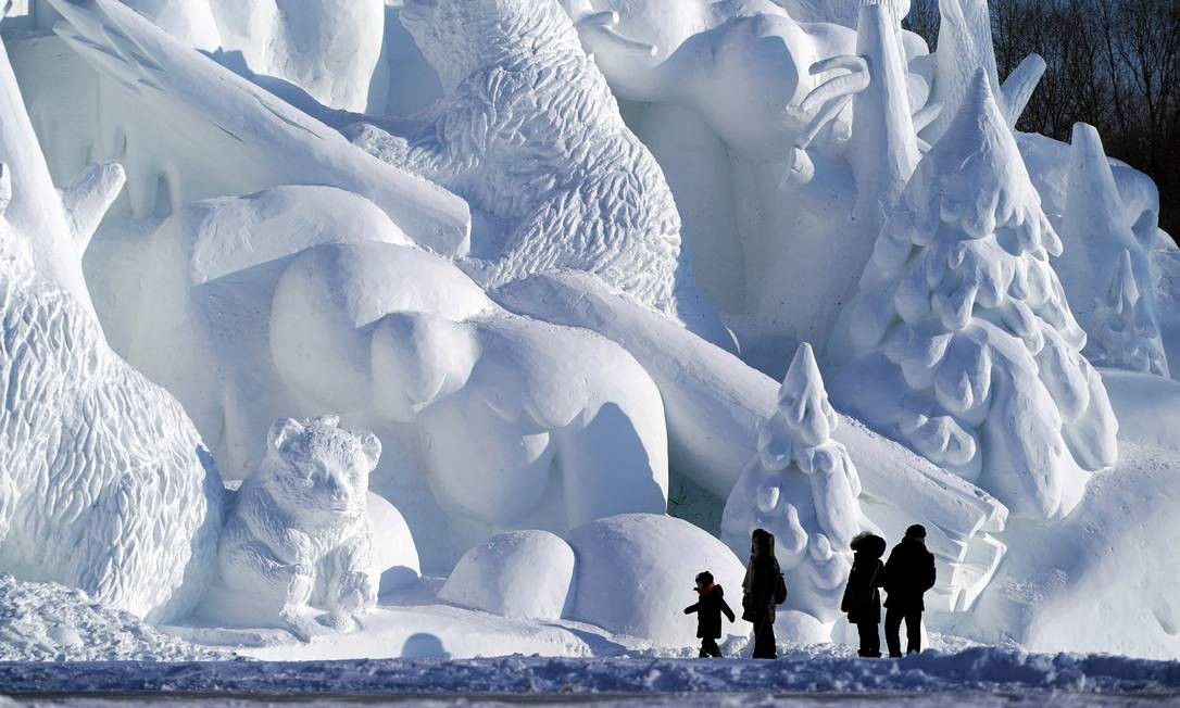 China vem aumentando o investimento em turismo em gelo e neve como preparação para os Jogos Olímpicos de Inverno, que acontecem em Pequim, em 2022 Foto: Aly Song / Reuters