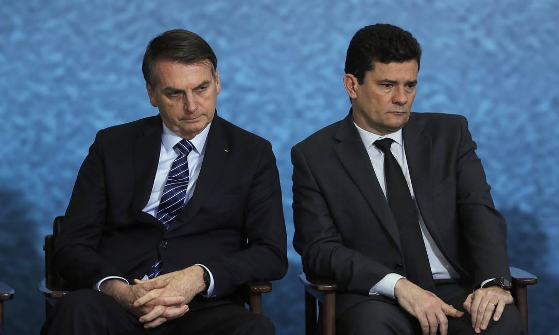 Jair Bolsonaro e Sergio Moro entraram em rota de colisão após presidente sancionar texto do Congresso que criou a figura do juiz de garantias, ato que surpreendeu até seus aliados Foto: Jorge William / Agência O Globo