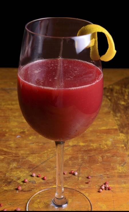 Apimentado. No Clássico Sunset Club, suco de beterraba, cenoura, maçã e pimenta-rosa (R$ 13, com 300ml; e R$ 17, com 500ml) Foto: Divulgação/Rio Artcom